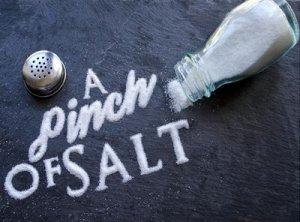Pinch of salt - перевод?